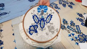 Przykład haftu krajeńskiego